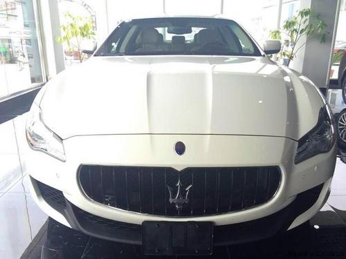 玛莎拉蒂总裁展厅白色,黑色现车降价促销中