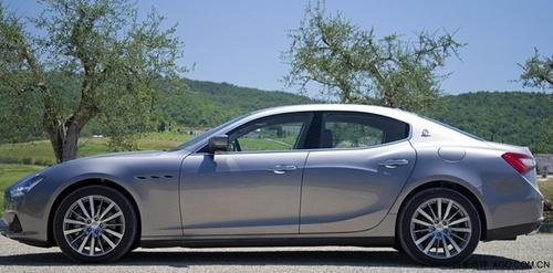 玛莎拉蒂总裁中规版 美规版玛莎拉蒂有几种车型 什么价位 高清图片